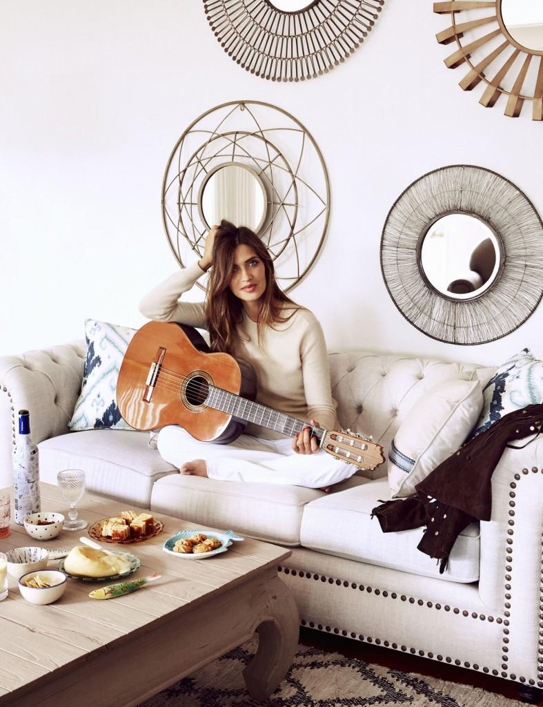 La periodista Sara Carbonero en su nueva casa de Oporto decorada por Kenay Home.